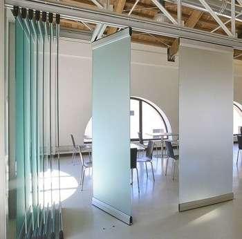 吊玻璃门 制造商