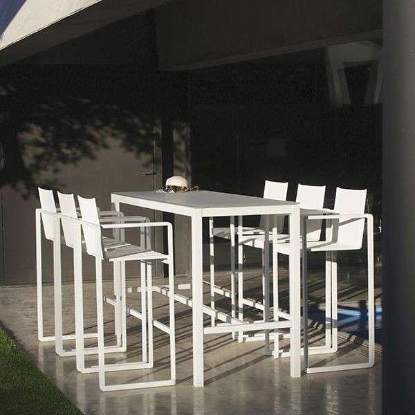 高脚花园桌 制造商