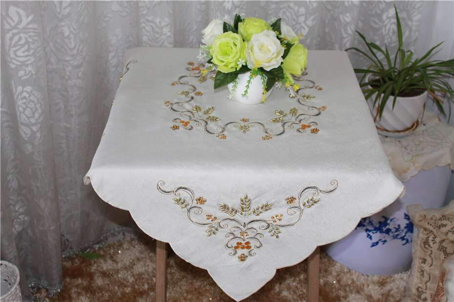 Satin Cotton Tablecloth Manufacturers