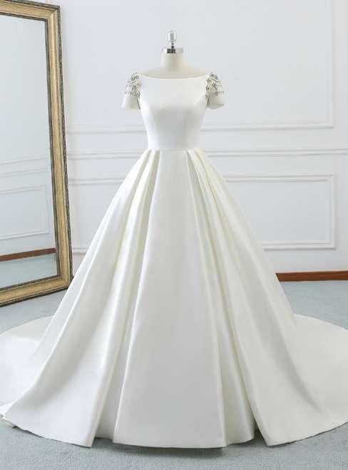 Short Sleeve Wedding Gown Manufacturers