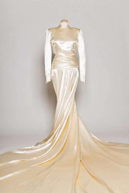 Silk Bridal Dres Manufacturers