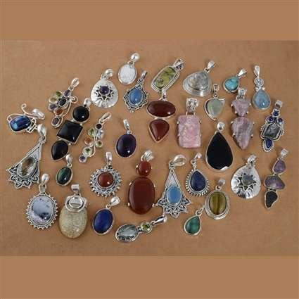 银宝石吊坠很多 制造商