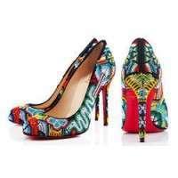 串珠的鞋子 制造商