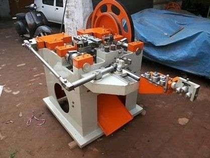 WIRE NAILS MAKING MACHINE