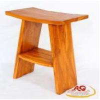 木制吧台凳