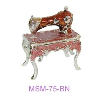 Miniature sewing machine 4legged stand