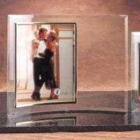 """8""""x 10""""玉石玻璃垂直新月相框"""