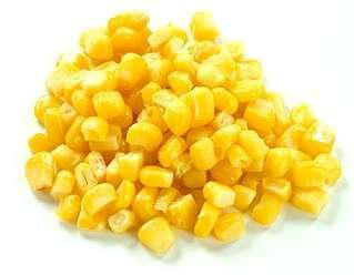 新鲜的罐装甜玉米
