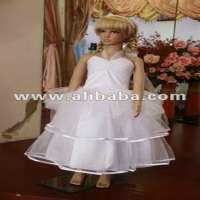 女孩绸缎连衣裙